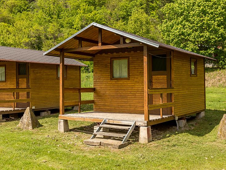 Ubytování vranovská přehrada - Camp Bítov - Chatky čtyřlůžkové (jednopodlažní)