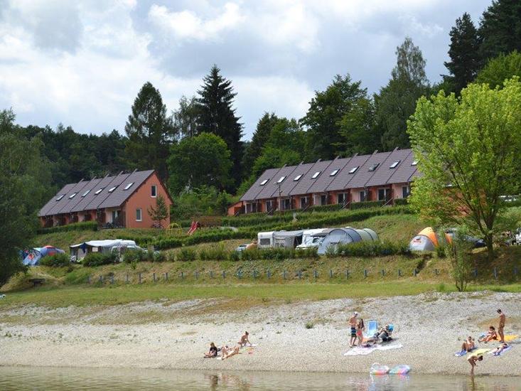 Ubytování vranovská přehrada - Camp Bítov - 4+1 lůžkový bungalov